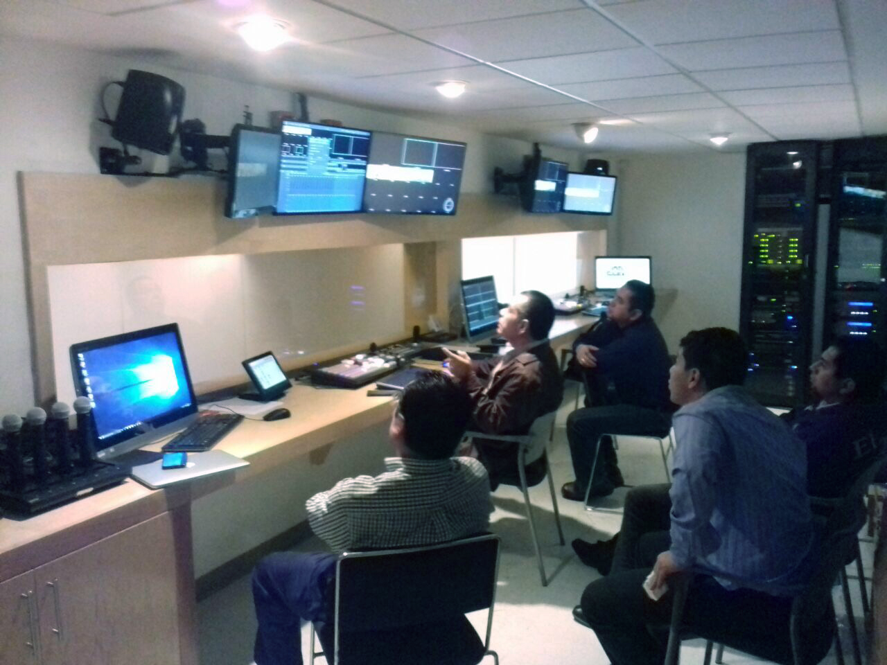 ColMex technicians monitoring and operating the XTP system in shared control room
