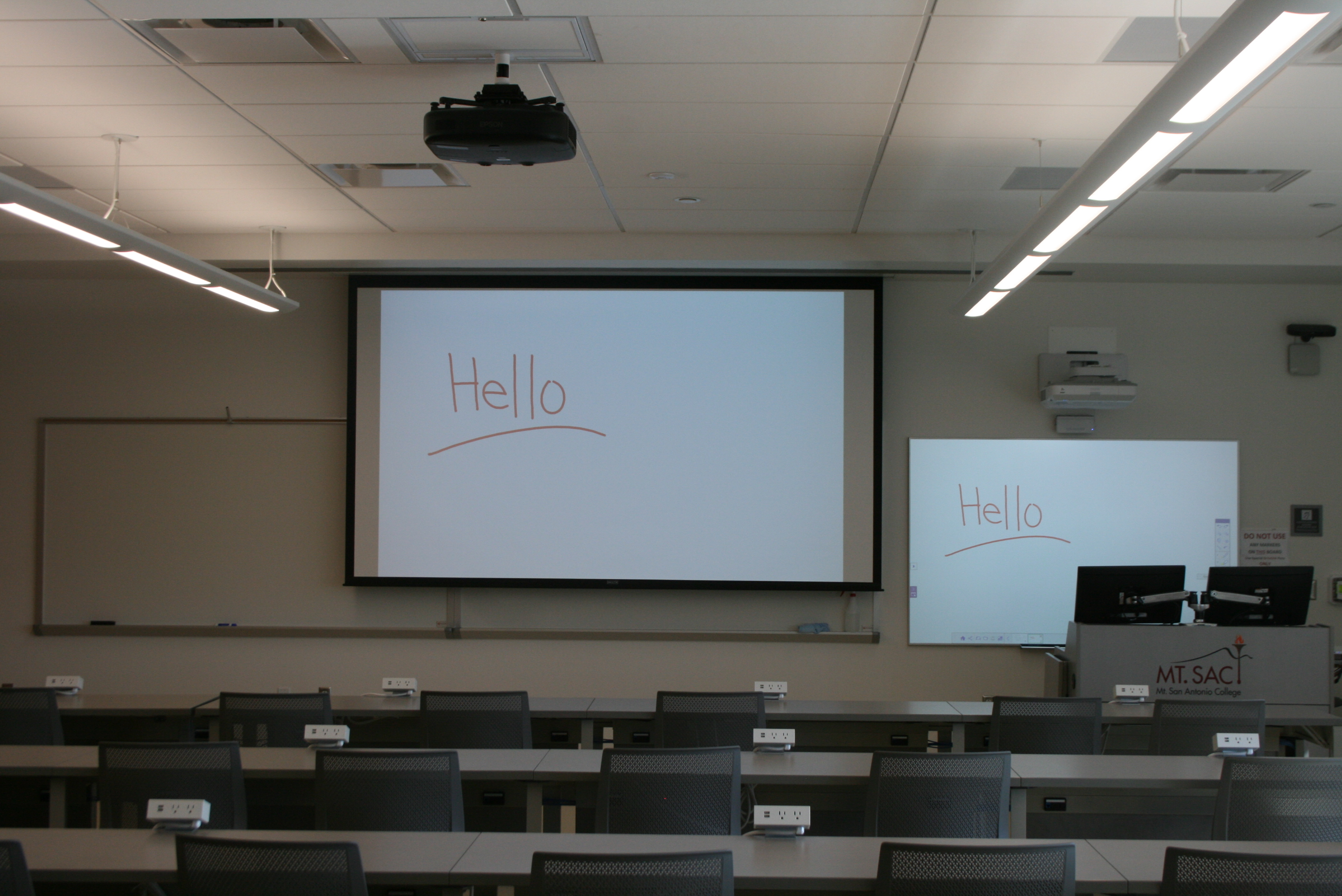 To enhance interactivity and clarify lesson points, the instructor can use the Extron Annotator 300 and connected touch display at the lectern.