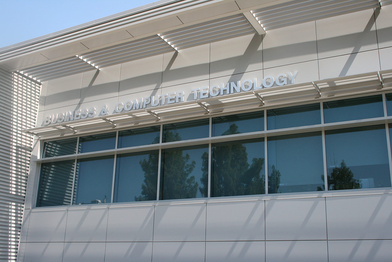 Mt. SAC's new Business and Computer Technology complex includes interactive classrooms, labs with demonstration workstations, a lecture hall, a commercial-grade teaching kitchen and bakery, and a fashion design facility, as well as conference, meeting, and huddle spaces for students and faculty.