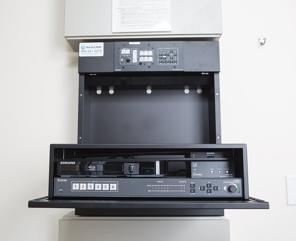 In The Standard Classrooms In1606 And Mpa 401 70v Provide Av Switching