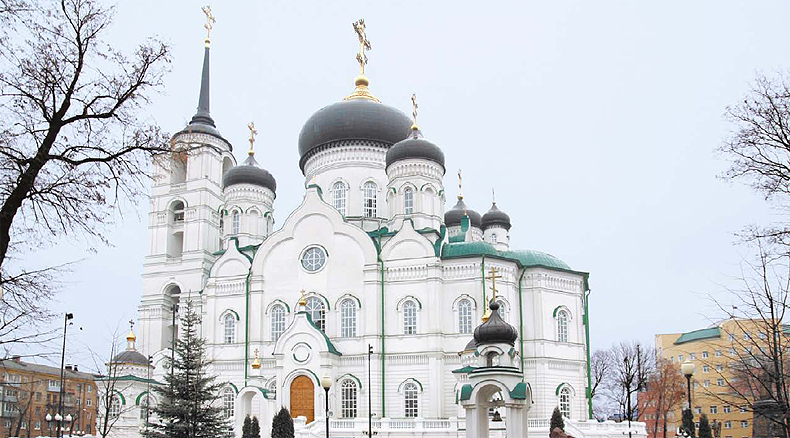 Extron Fiber Optic Transmission Integrated into Classical Architecture of Russian Cathedral