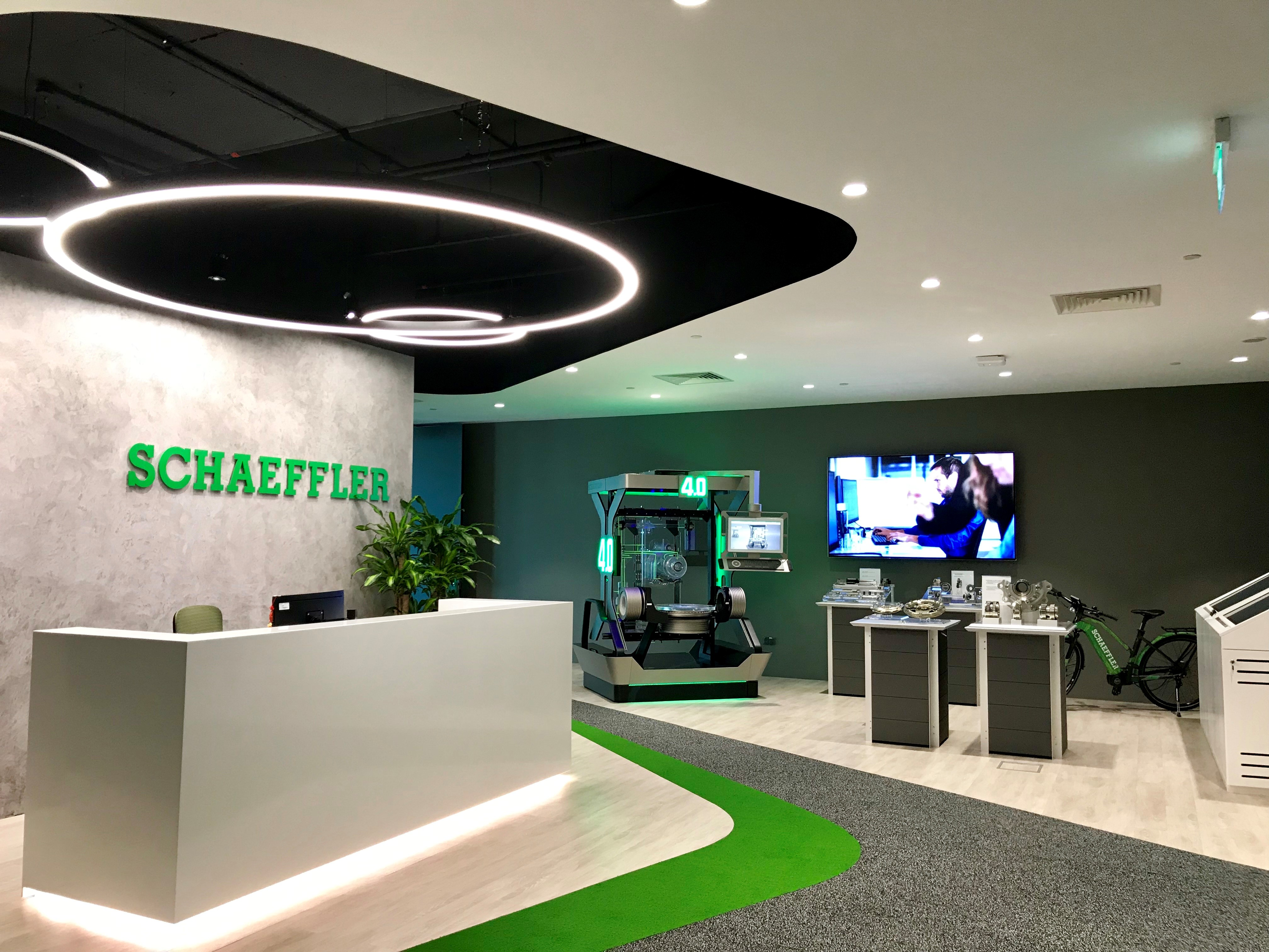 Schaeffler Asia Pacific provides modern collaborative workspaces at their new regional headquarters in Singapore.
