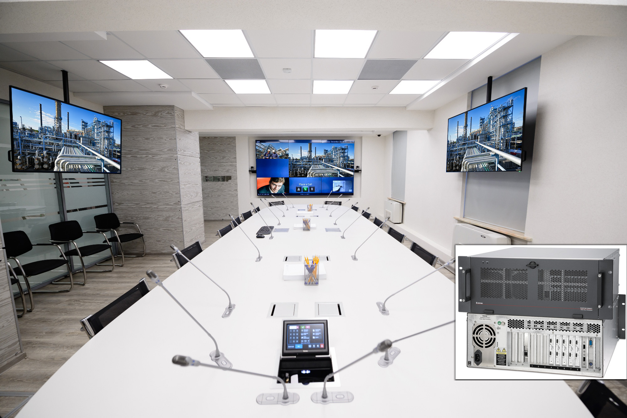 The 3x3 videowall driven by an Extron Quantum Connect processor enables the Moscow Executive Conference Room to serve as SIBUR's corporate nerve center.