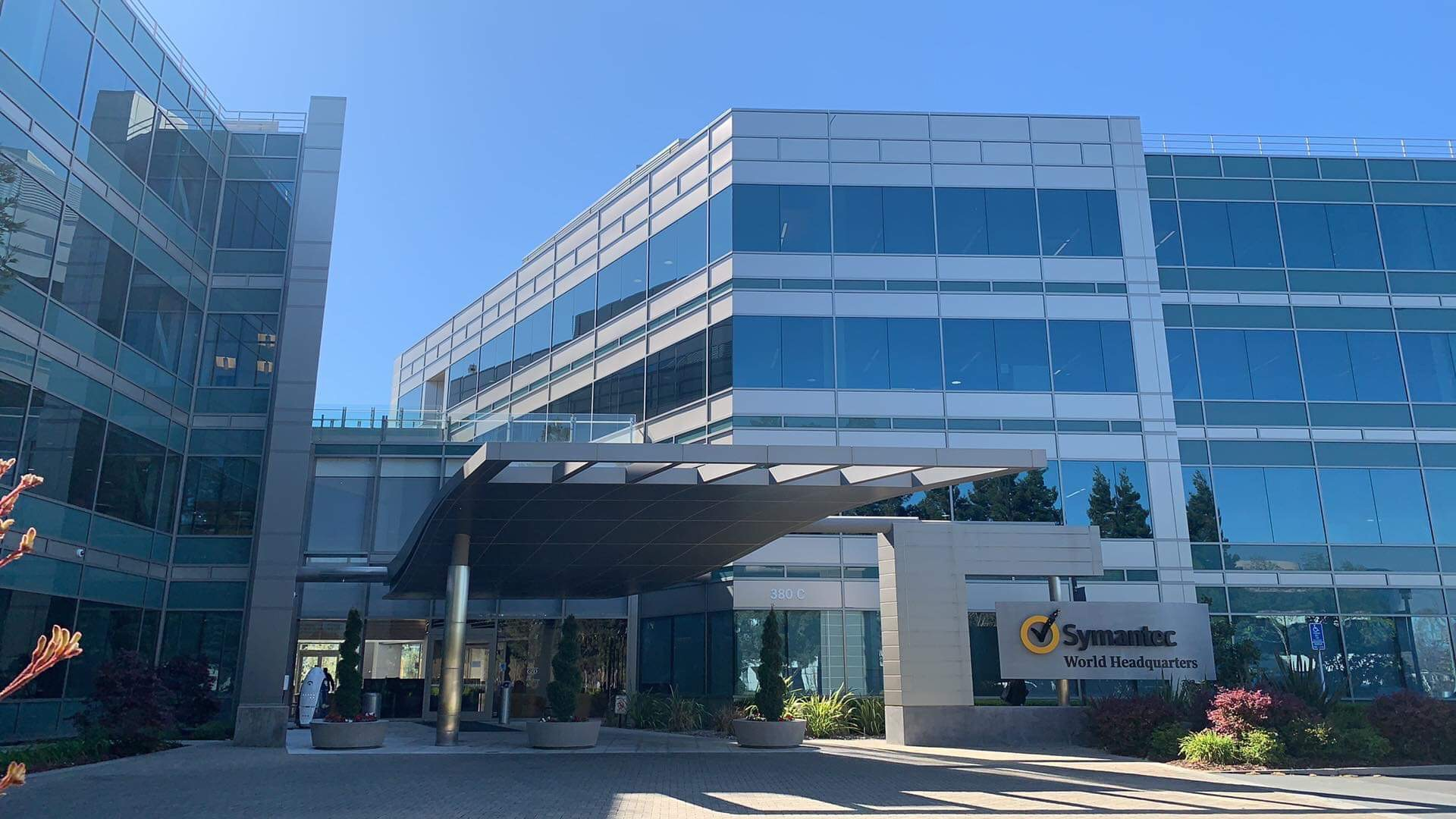 Symantec built the Experience Center to share their strong brand story and educate visitors on security risks and the next generation of cybersecurity solutions.