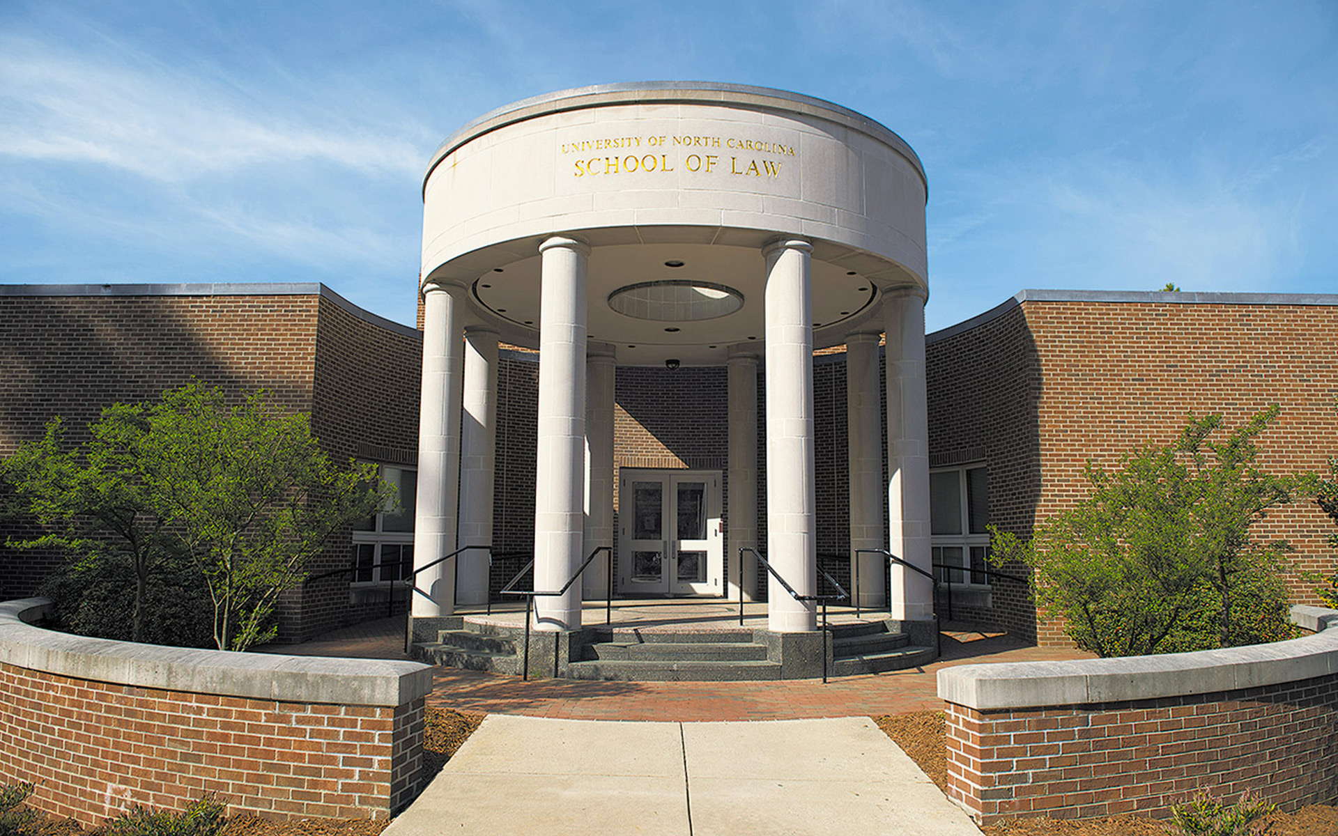Extron XTP Systems and Annotator 300 Facilitate Courtroom Instruction at UNC School of Law