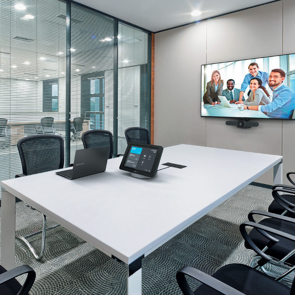 Huddle Room with Logitech Smartdock room view